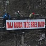 """Največja želja pohodnikov je """"Naj Mura teče brez ovir"""". Foto: Gregor Domanjko"""