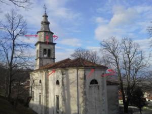 Podraška cerkev z označenimi odprtinami, kjer smo uredili gnezdišča.<br/> <em>Foto: Peter Krečič</em>