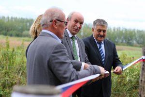 Slavnostno rezanje traku je za NR Ormoške lagune predstavljalo vstop v novo obdobje.