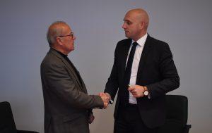 Predsednik DOPPS, gospod Rudolf Tekavčič in Minister za okolje in prostor, gospod Simon Zajc po podpisu aneksa. Foto: Alen Ploj