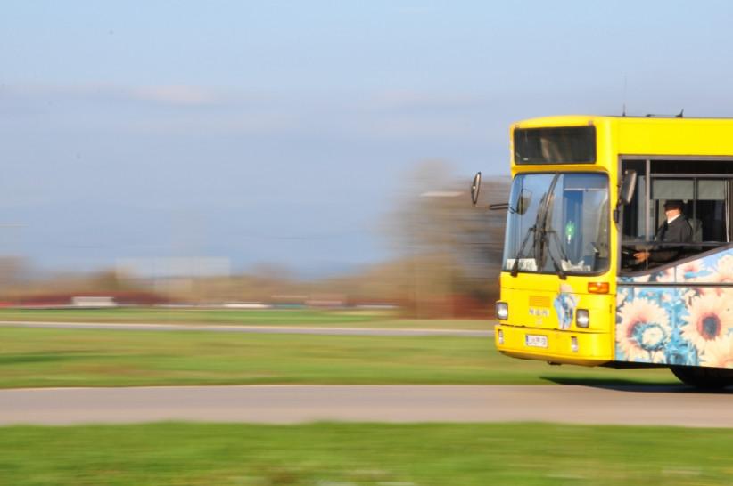 V naravo z javnim prevozom
