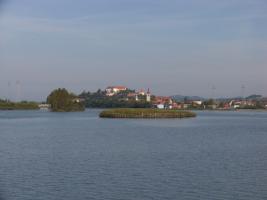 Umetni otok za gnezdenje ptic na Ptujskem jezeru