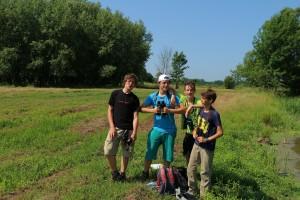 Skupina za rjavega srakoperja na terenu. foto: Dejan Bordjan