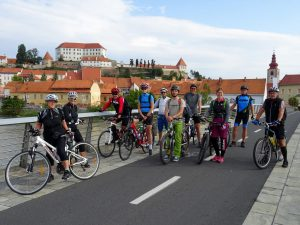Udeleženci kolesarskega izleta iz Ptuja proti Ormožu. foto: Peter Mesarič